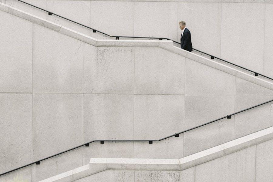 ¿Es posible medir el valor de una empresa de forma objetiva? Analizamos cómo con el profesor del IESE Pablo Fernández y cuáles son los principales errores que cometes.