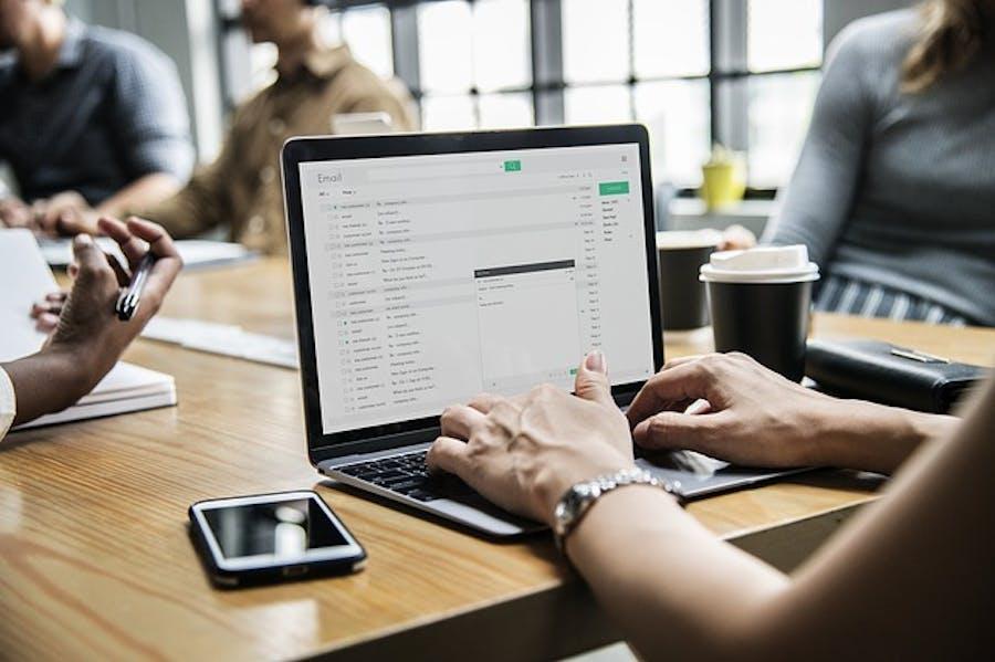 ¿Aún te preguntas por qué digitalizar una empresa? 6 razones de peso
